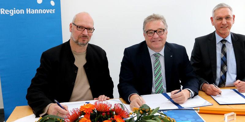 https://www.hannover.de/Leben-in-der-Region-Hannover/Verwaltungen-Kommunen/Die-Verwaltung-der-Region-Hannover/Region-Hannover/Breitbandausbau-Beginn-der-Tiefbauarbeiten